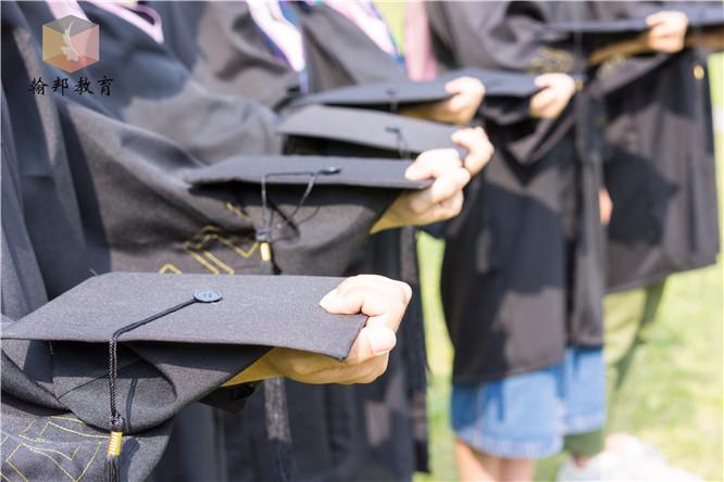 学前教育专业主要学什么?跟教师证一样吗?