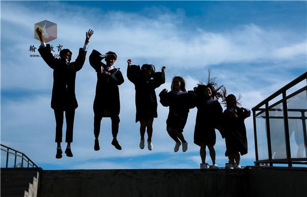 职业学院2020级新生军训总结大会在学校